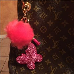 💕 Faux fur Pom & Butterfly Keychain handbag charm